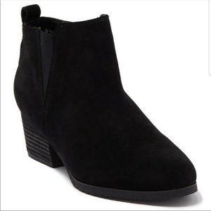 Blondo Ida Waterproof Black Suede Ankle Boots